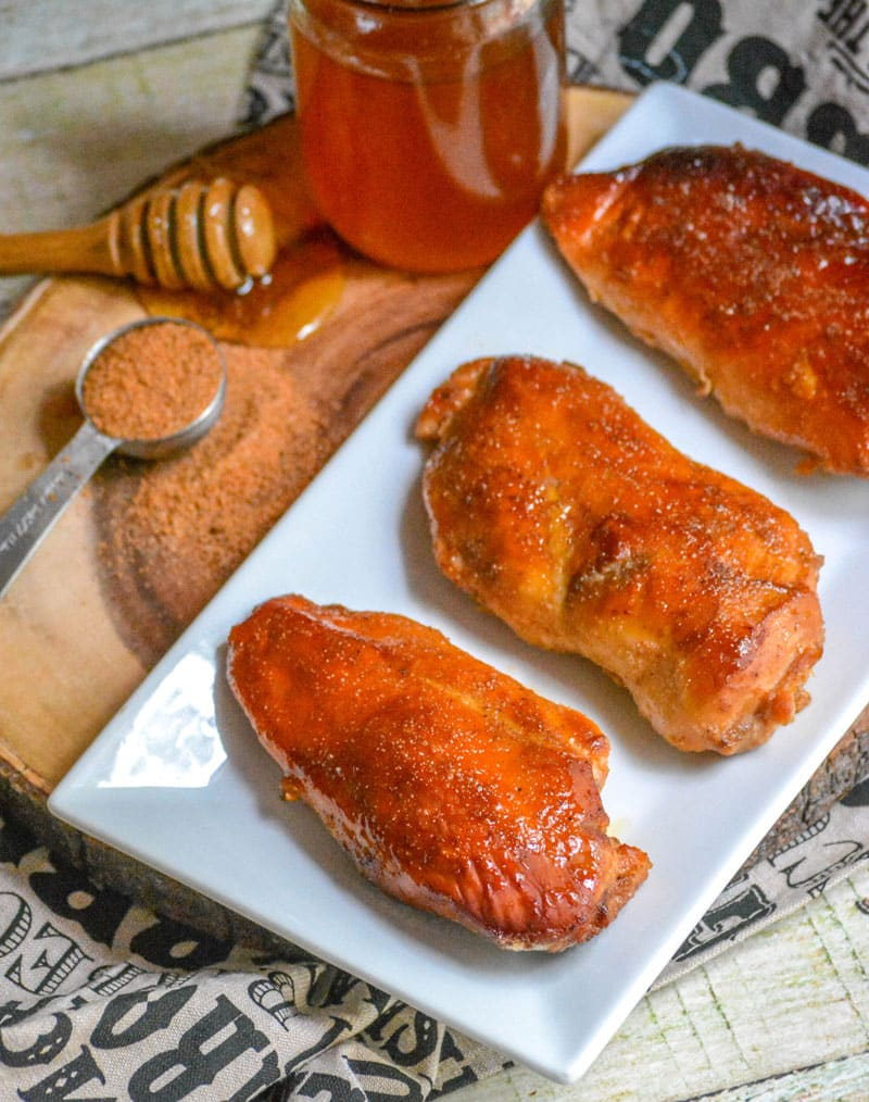SMOKED CAJUN HONEY CHICKEN BREASTS PECHUGAS DE POLLO AHUMADAS CON MIEL Y CAJÚN