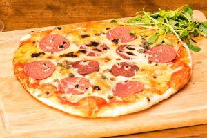 MORTADELLA PIZZA RECETAS VEGANAS | PIZZA VEGANA DE CHORIZO AHUMADO Y MORTADELA