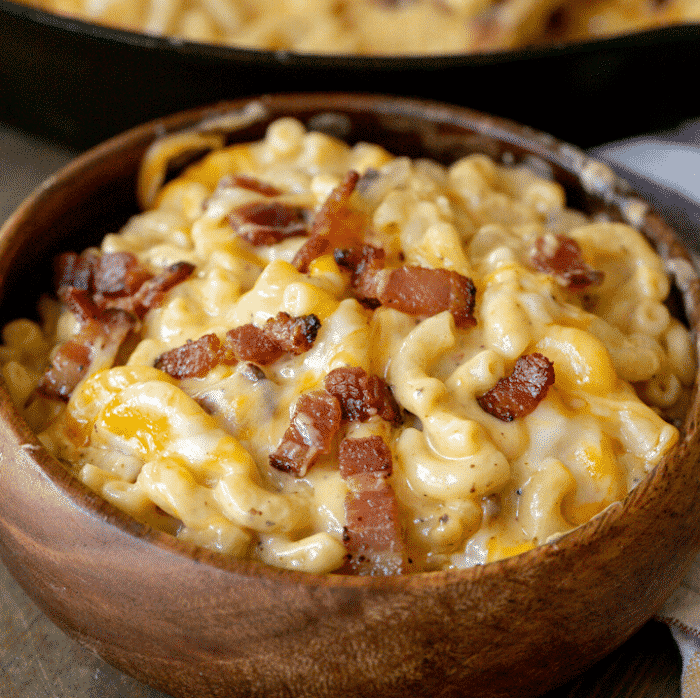 BACON MAC AND CHEESE FEAT TOCINO MAC Y QUESO