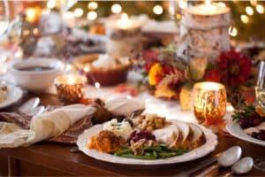 THANKSGIVING DINNER 840X502 GUARNICIONES DE ACCIÓN DE GRACIAS FAVORITAS DE LA FAMILIA