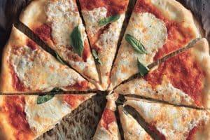 351165 HIRES RECETA DE PIZZA MARGHERITA | EPICURIOUS.COM