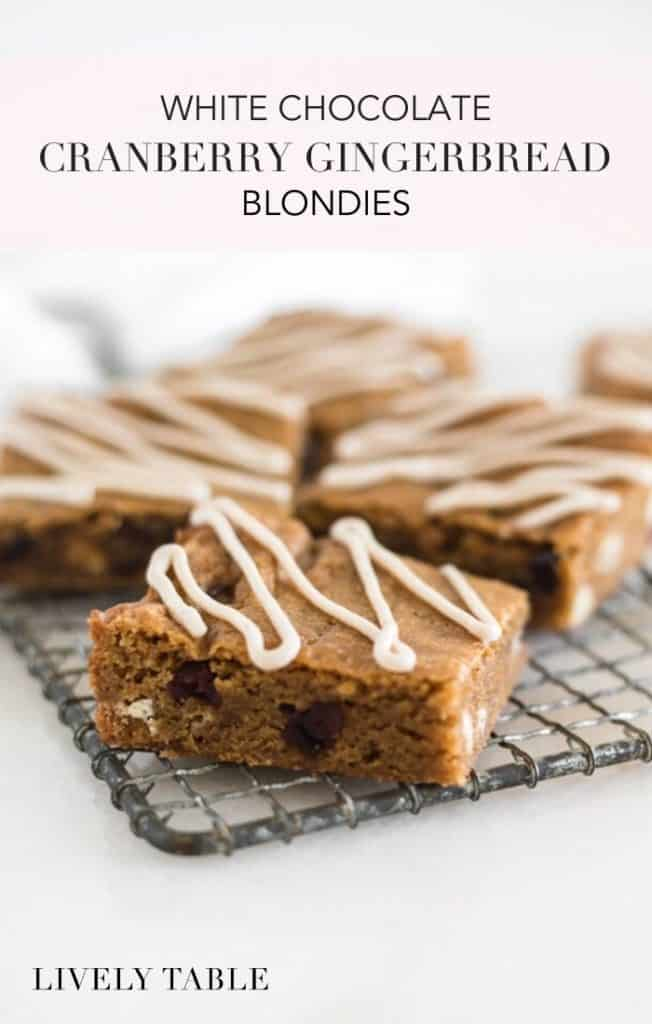 CRANBERRY WHITE CHOCOLATE GINGERBREAD BLONDIES BLONDIES DE PAN DE JENGIBRE CON CHOCOLATE BLANCO Y ARÁNDANOS