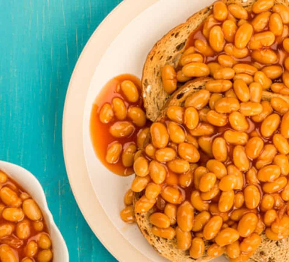 ARE BAKED BEANS HEALTHY MAIN IMAGE 700 350 A21F107 ¿SON SALUDABLES LOS FRIJOLES HORNEADOS? - BBC GOOD FOOD