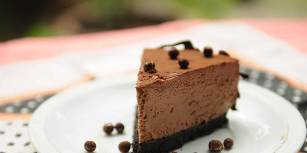 CHOCOLATE MOUSSE PIE RECETA DE PASTEL DE MOUSSE DE CHOCOLATE   EPICURIOUS.COM