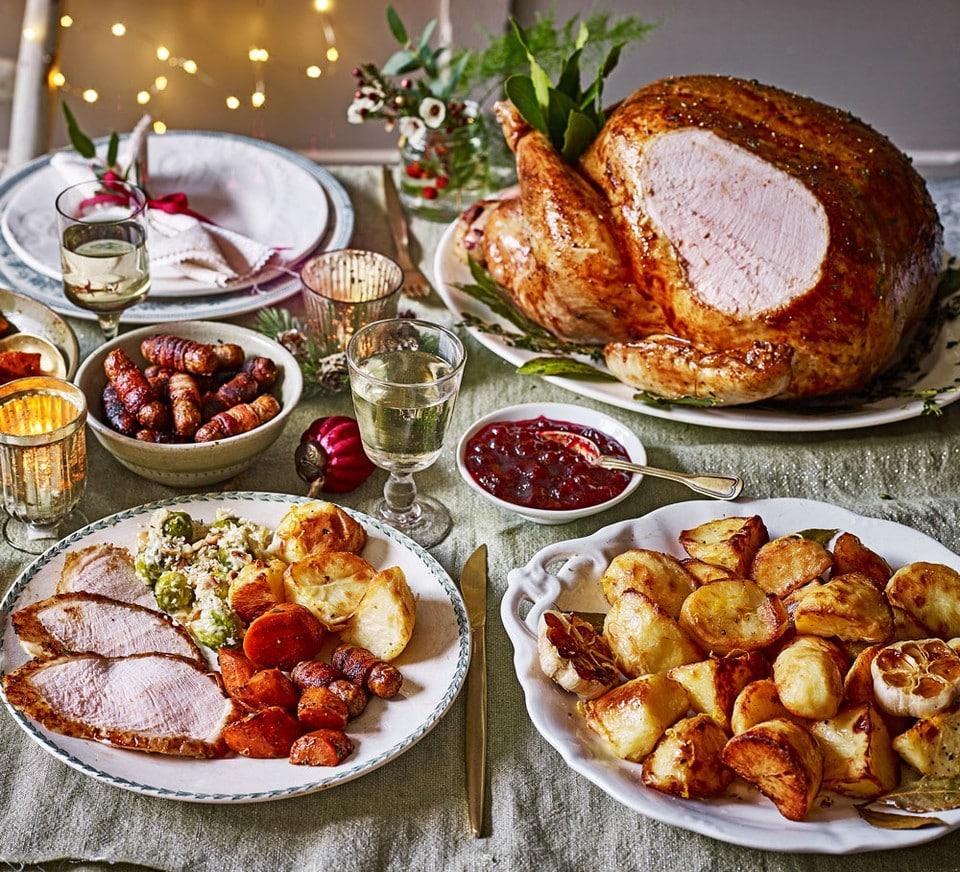 CHRISTMAS DINNER INFOGRAPHIC THUMBNAIL A8729B3 CÓMO RECALENTAR EL PAVO Y MANTENERLO HÚMEDO