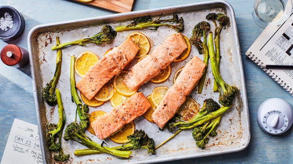 COOK 90 SLOW ROASTED SALMON WITH BROCCOLINI SHEET TRAY COOKED 07122017 ¿PUEDE CONGELAR SALMÓN COCIDO?