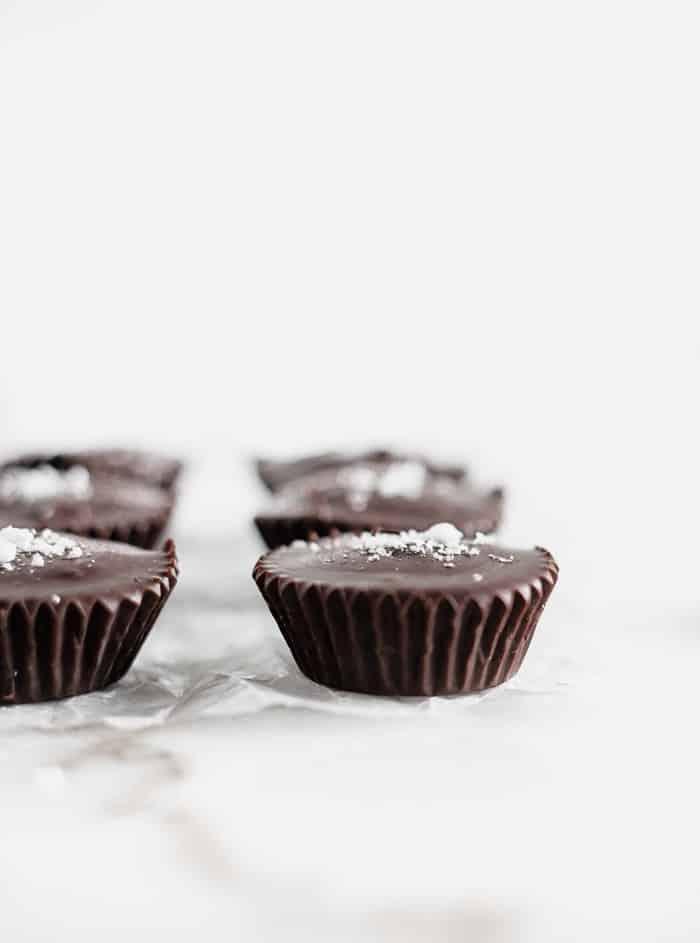 DARK CHOCOLATE TAHINI CUPS 2 TAZAS DE TAHINI DE CHOCOLATE AMARGO