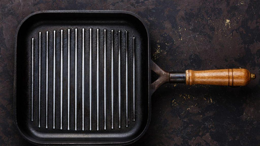 HOW TO USE A GRILL PAN INDOORS 06202016 CÓMO ASAR EN INTERIORES CON UNA SARTÉN PARA PARRILLA DE HIERRO FUNDIDO