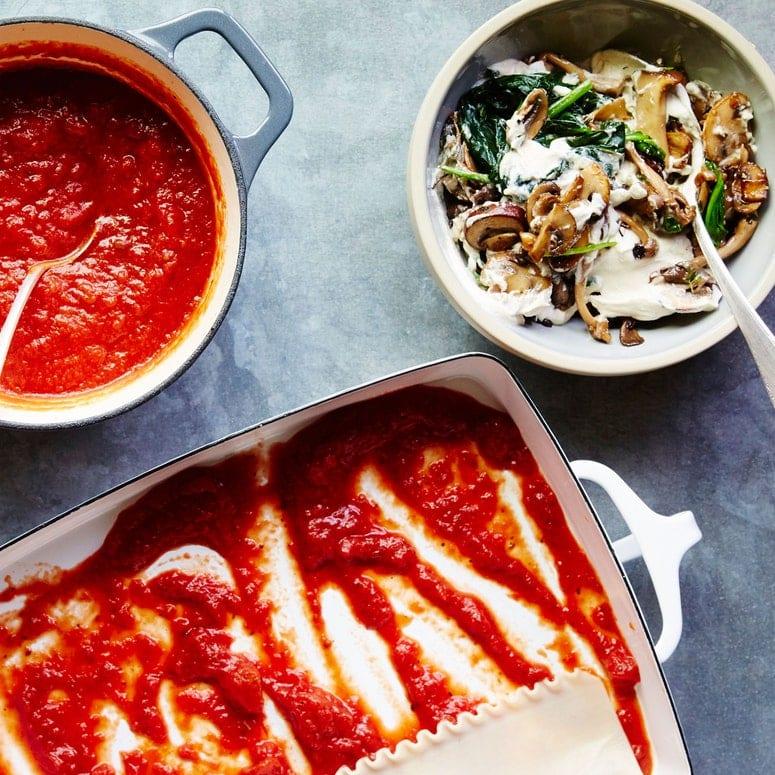 LA IMAGEN PUEDE CONTENER PIZZA Y PLATO DE COMIDA FOOD BOWL