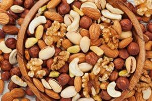THE HEALTH BENEFITS OF NUTS MAIN IMAGE 700 350 BB95AC2 LOS BENEFICIOS PARA LA SALUD DE LAS NUECES