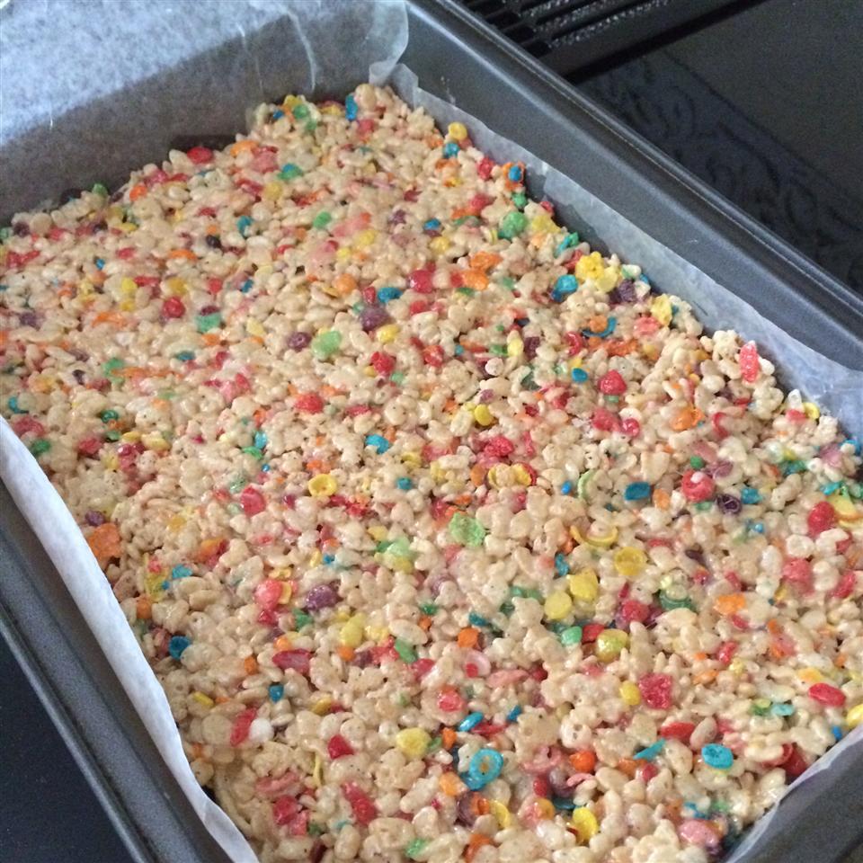FUNFETTI CAKE BATTER RICE KRISPIES GOLOSINAS