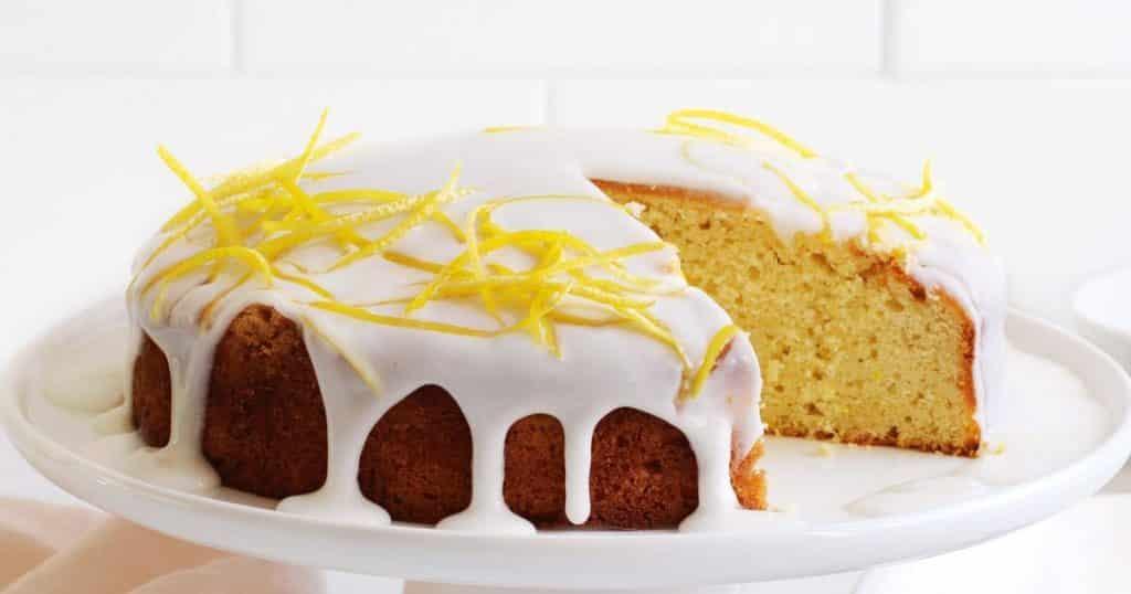 OCTOBER20 LEMON AND CARDAMOM CAKE TASTE 165125 1 PASTEL DE LLOVIZNA DE LIMÓN CON FREIDORA