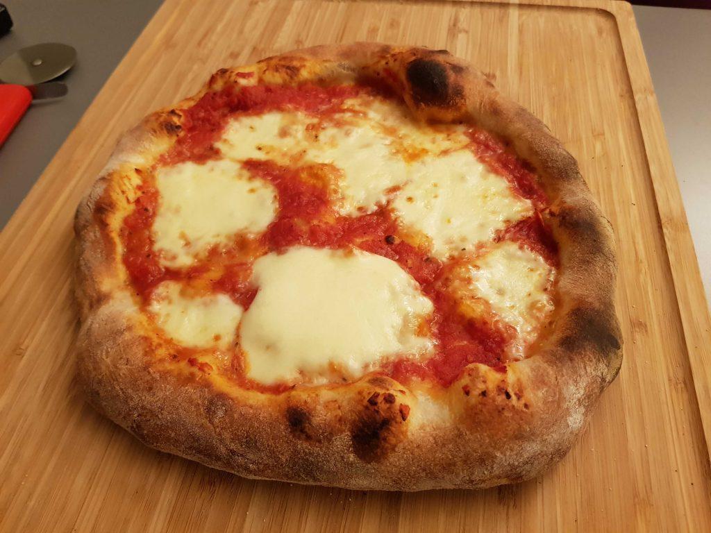 PIZZA HECHA EN ACERO PARA PIZZA