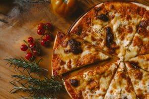 HISTORIA DE MOZZARELLA DE PIZZA TOMATE ALBAHACA