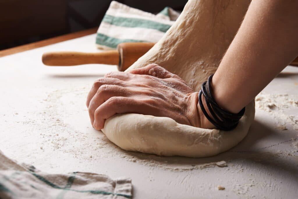 NADYA SPETNITSKAYA TOYIQXF9 YS UNSPLASH SCALED PUEDES HACER UNA BUENA PIZZA, O PUEDES HACER UNA GRAN PIZZA